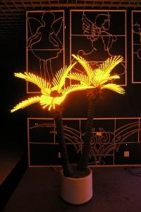 Светодиодная пальма 2 жёлтая купить с доставкой в ваш город по выгодной цене