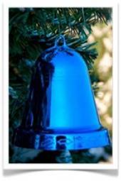 Новогодние игрушки: шары на елку, бусы из шаров, колокольчики для елки